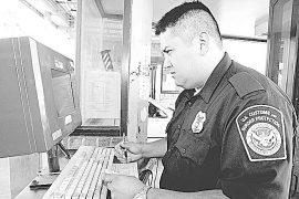 Revisión a celulares  no es nueva: CBP