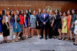 Mil estudiantes de la UANL viven experiencia internacional