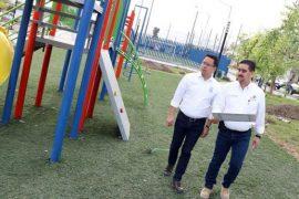 Avanza construcción de espacio deportivo en la colonia Zimix
