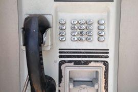 Teléfonos públicos; tecnología obsoleta