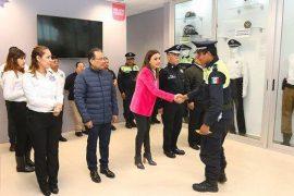 Reconoce alcaldesa labor de Policías