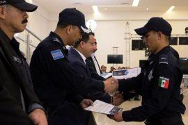 Gradúa Santa Catarina 60 policías para mejorar protección de los habitantes