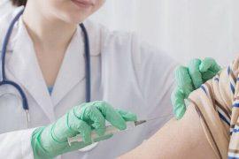 Por ignorantes rechazan vacunas: expertas
